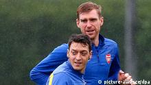 Mesut Özil & Per Mertesacker FC Arsenal 21.10.2014