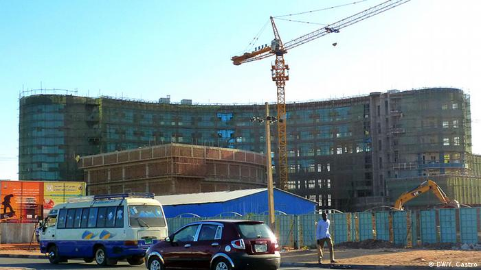 Building works being carried out in Sudan's capital Khartoum (Photo: DW/Yamila Castro)