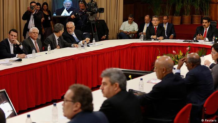 Venezuela Treffen zwischen Präsident Nicolas Maduro und Opposition in Caracas (Reuters)