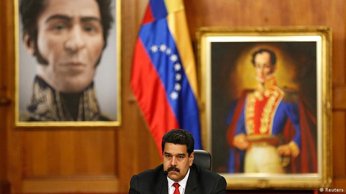 Präsident Nicolas Maduro mit Simón Bolívar im Hintergrund