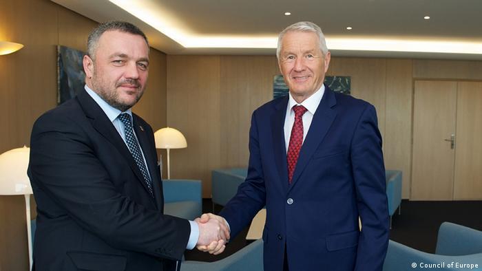В.о. Генпрокурора Олег Махніцький під час зустрічі з генсеком Ради Європи Турбйорном Ягландом (праворуч) у Страсбургу