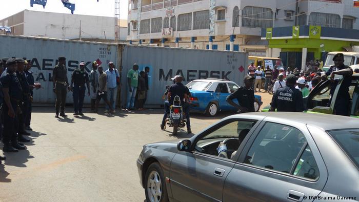 Polícia guineense numa rua de Bissau. Foto ilustrativa