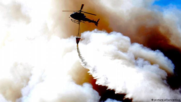 Chile Valparsaiso Feuer Großbrand Löschhubschrauber