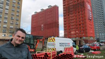 Finlay MacKay at the Red Road flats in Glasgow (Photo: Peter Geoghegan / DW)