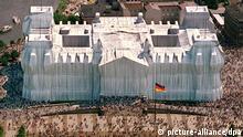 Deutschland Reichstag Verhüllung Christo 1995