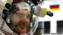 HANDOUT - ESA astronaut Alexander Gerst taken by his crewmate NASA astronaut Reid Wiseman as they train for their six-month mission to the International Space Station starting in May (photo published January 28, 2014). Photo: ESA/NASA/Reid Wiseman (ACHTUNG: Nur zur redaktionellen Verwendung im Zusammenhang mit der aktuellen Berichterstattung und nur bei Nennung: Foto: ESA/NASA/Reid Wiseman/dpa)