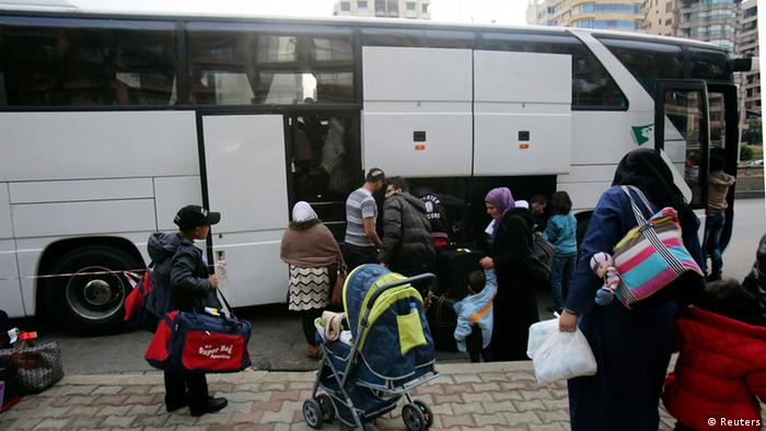 Сирийские беженцы в Бейруте перед отъездом в Германию, 2014 год