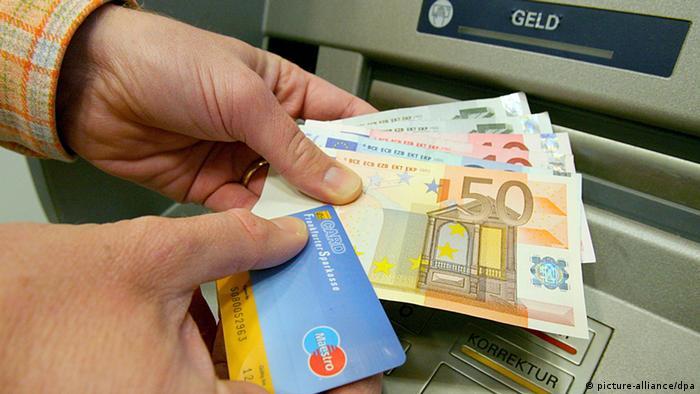 EU-Parlament Abstimmung über Banken Konten und Alternativkraftstoffe Symbolbild (picture-alliance/dpa)