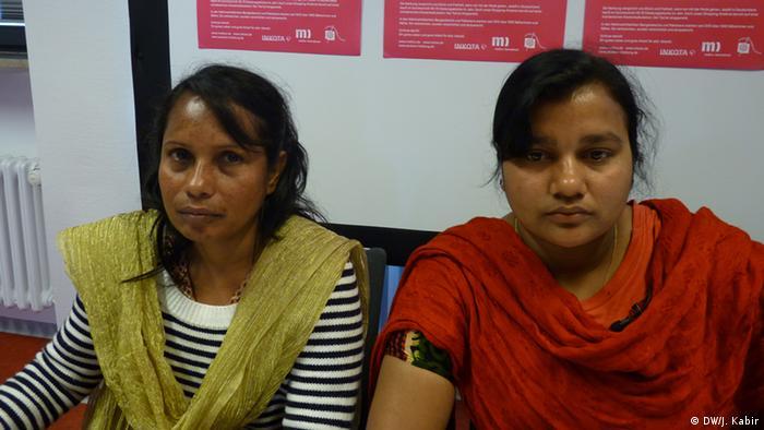 Safia Parvin e Shila Begum, que responsabilizam também europeus pela tragédia de um ano atrás