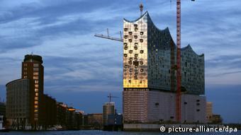 Недостроенная Эльбская филармония в Гамбурге