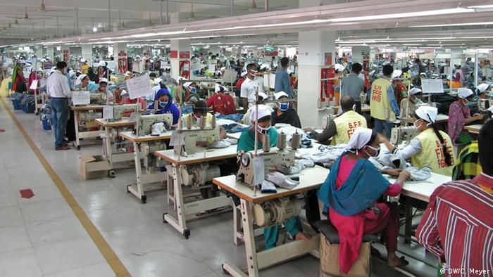 Fábrica em Bangladesh: condições de trabalho no setor são especialmente graves