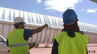 Construction of Morocco's Noor I solar power plant (c) AP Photo/Abdeljalil Bounhar