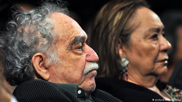 Der kolumbianische Autor Gabriel Garcia Marquez mit seiner Frau Mercedes Barcha (picture-alliance/dpa)