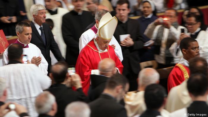Pope takes aim at social injustice in Good Friday prayer