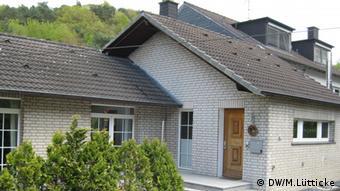 Kleines Einfamilienhaus im Bergischen (Foto: DW/Lütticke)