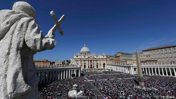 Trg svetog Petra u Vatikanu bio je pun vjernika