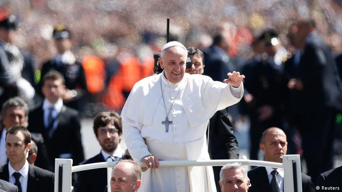 Papa Franjo pozvao na mir u svijetu
