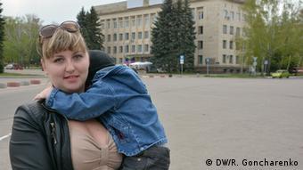 """Shenja, la enfermera, no acepta al nuevo Gobierno de Kiev porque """"ellos llegaron al poder mediante las armas""""."""