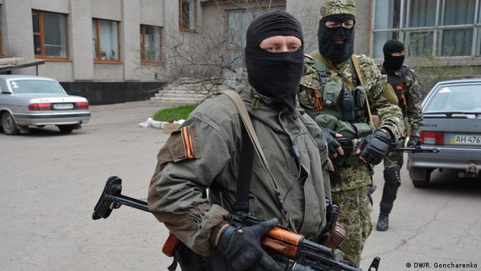Kaum separatis di Sloviansk, Ukraina timur