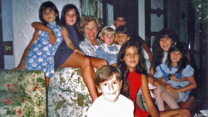 Oma Nena mit Enkelkindern Iramaia Elizabeth Frey (privat)