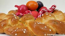 Symbolbild Ostern Hefezopf Ostergebäck Traditionell Ostereier 51070635