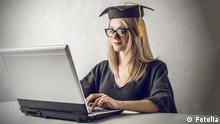Studium Studentin Bildung lernen Symbolbild