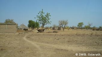 Trockenzeit in Burkina Faso (Foto: DW/Brigitte Osterath)