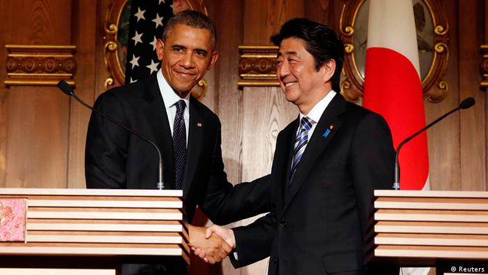 US Präsident Barack Obama in Tokio Japan Shinzo Abe
