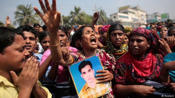 Bangladesch Textilfabrik Jahrestag