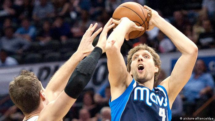 Dallas Mavericks vs San Antonio Spurs Dirk Nowitzki