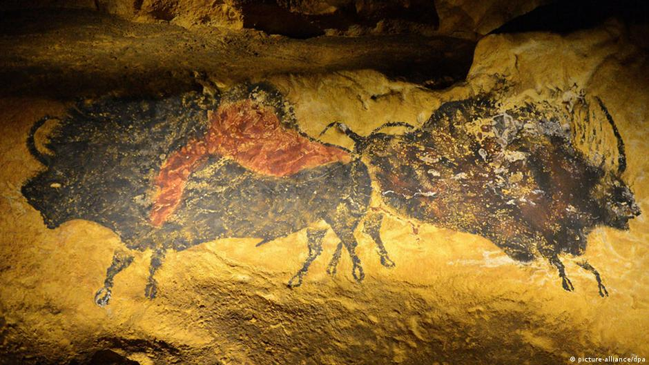 replica of ancient lascaux cave art opens in france culture arts music and lifestyle. Black Bedroom Furniture Sets. Home Design Ideas