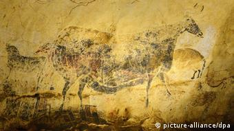 Replicas of the famous Lascaux cave paintings (picture-alliance/dpa)