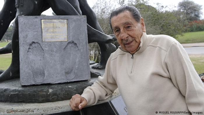 Fußballer Alcides Ghiggia WM 1950 (Photo: MIGUEL ROJO/AFP/Getty Images)