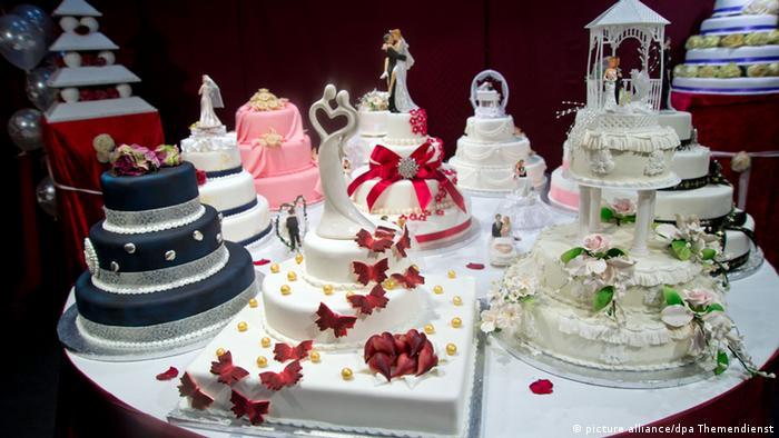 Messe HochzeitsWelt 2013 - Hochzeitstorte (picture alliance/dpa Themendienst)