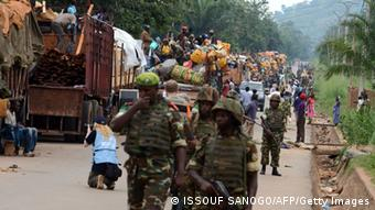 MISCA soldiers accompanying the Muslim convoy (photo: ISSOUF SANOGO/AFP/Getty Images)