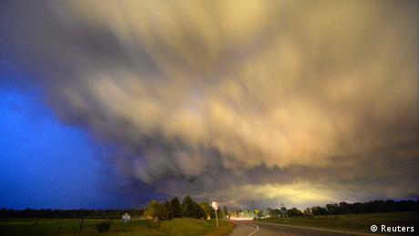 Tornado in Arkansas USA 24.04.2014