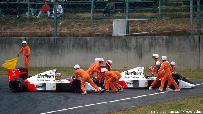 Ayrton Senna und Alain Prost Kollision