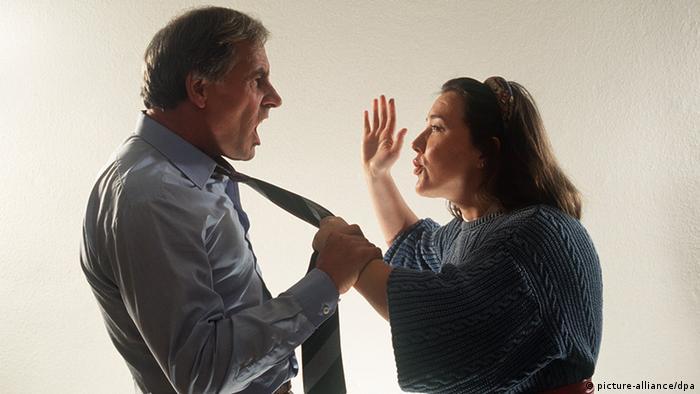 Symbolbild Ehestreit Gewalt (picture-alliance/dpa)