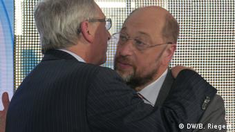 Jean-Claude Juncker and Martin Schulz (Photo: Bernd Riegert / DW)