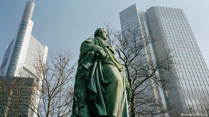 Deutschland Johann Wolfgang von Goethe Denkmal in Frankfurt