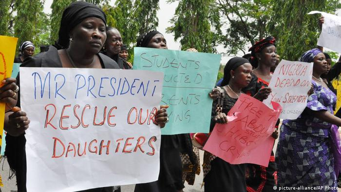 Women in Nigeria have stepped up pressure on the government to rescue the missing girls