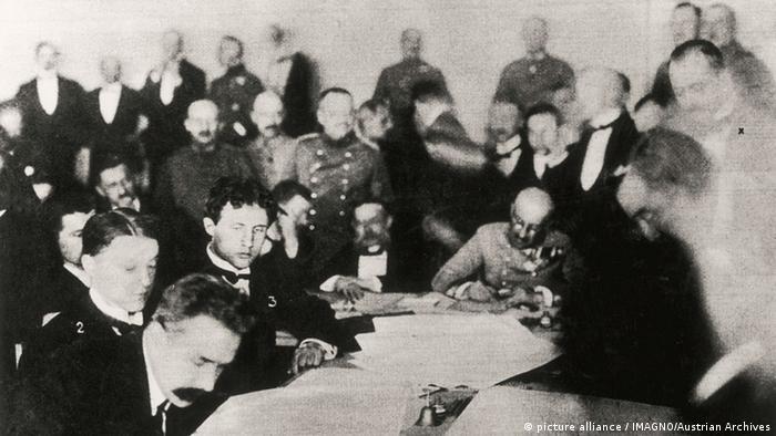 """Резултат с изображение за """"Естония приема декларация за независимост от Русия."""""""