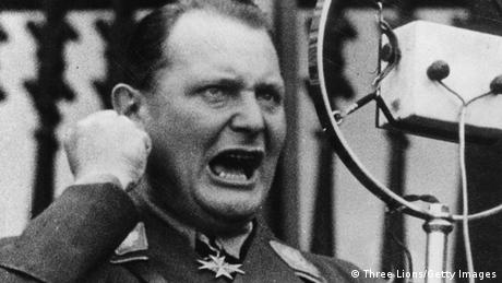 Hermann Göring hält eine Rede (Three Lions/Getty Images)