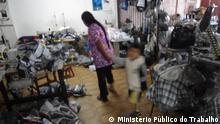 ***Achtung: Nur zur mit Ministério Público do Trabalho abgesprochenen Berichterstattung verwenden!*** Sklavenarbeit: bolivianische Einwanderer werden in Näh-Workshops in Sao Paulo ausgenutzt *** Ministério Público do Trabalho