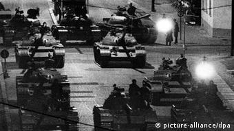Советские и американские танки в Берлине в 1961 году: холодная война едва не стала горячей