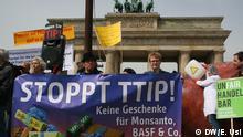 Protestaktion gegen EU-US Freihandelsabkommen TTIP am 6. Mai Berlin