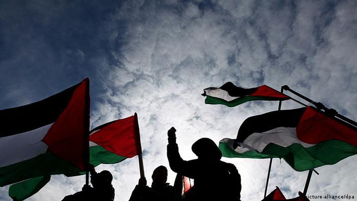 Versöhnung Flagge Nahost - Versöhnung , Flagge , Schattenriss , Silhouette , Nahost , Konflikte , Fahne , Demonstrationen, Politik , Krisen pixel