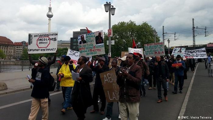 Manifestação de antigos trabalhadores angolanos da ex-RDA em Berlim (maio de 2014)