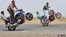 Gefährliches Motorradfahren im Iran (Bildergalerie)