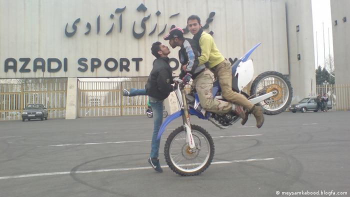 Gefährliches Motorradfahren im Iran (Bildergalerie) (meysamkabood.blogfa.com)